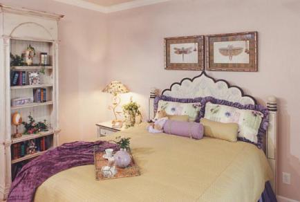 Декор в оформлении спальни