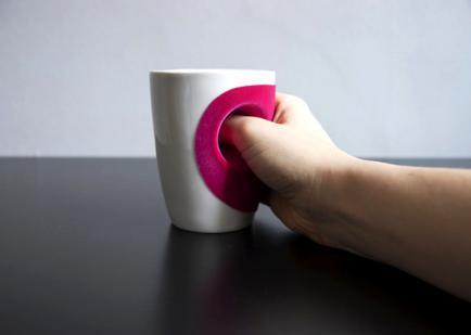 Чашка-обнимашка «Hug Cup» от дизайнера Eszter Imre