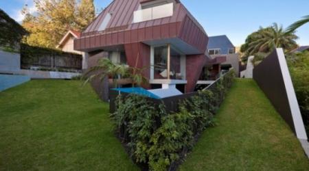Дом в стиле «инопланетный корабль»