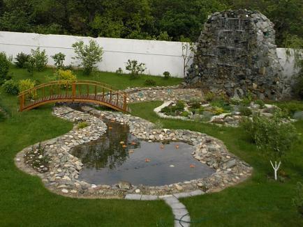 Каким должен быть водоём на садовом участке?