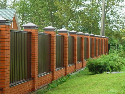 Какой должен быть современный забор?