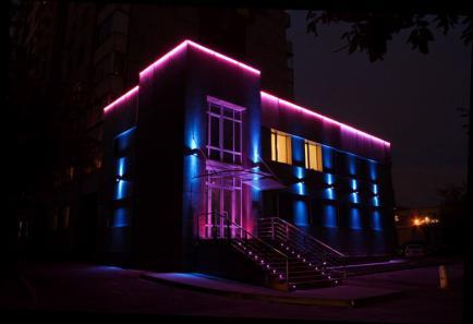 Применение светодиодных лент при оформлении сооружений и зданий